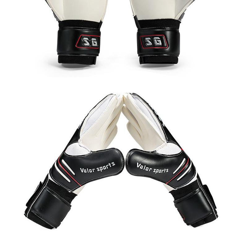 Personalized goalkeeper gloves / Museum in nashville