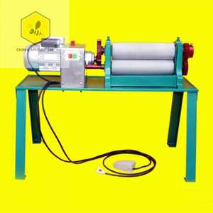 Beekeeping equipment/beeswax presser embossing machine