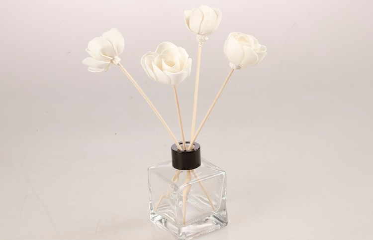 Factory direct sale handmade reed diffuser sola wood flower