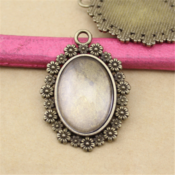 Classical Photo Charm Pendant Cabochon Round Base Settings Metal Pendant with Blanks Tray Wholesale Jewelry Accessories
