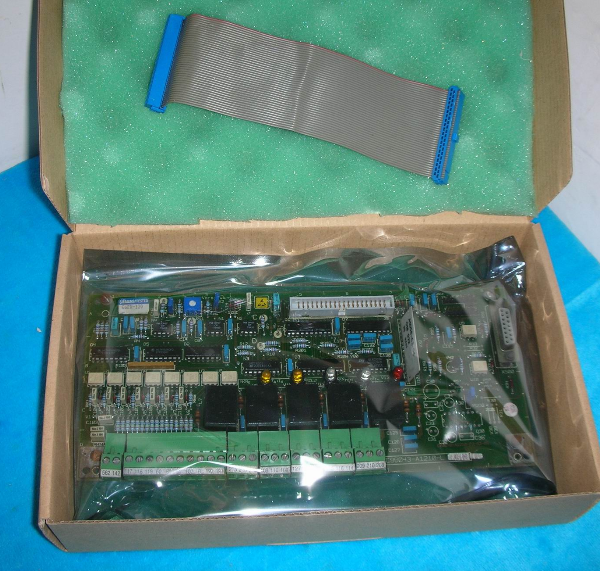 New Factory Sealed Siemens Input Module 6ES7 231-0HF22-0XA0 1-Year Warranty !