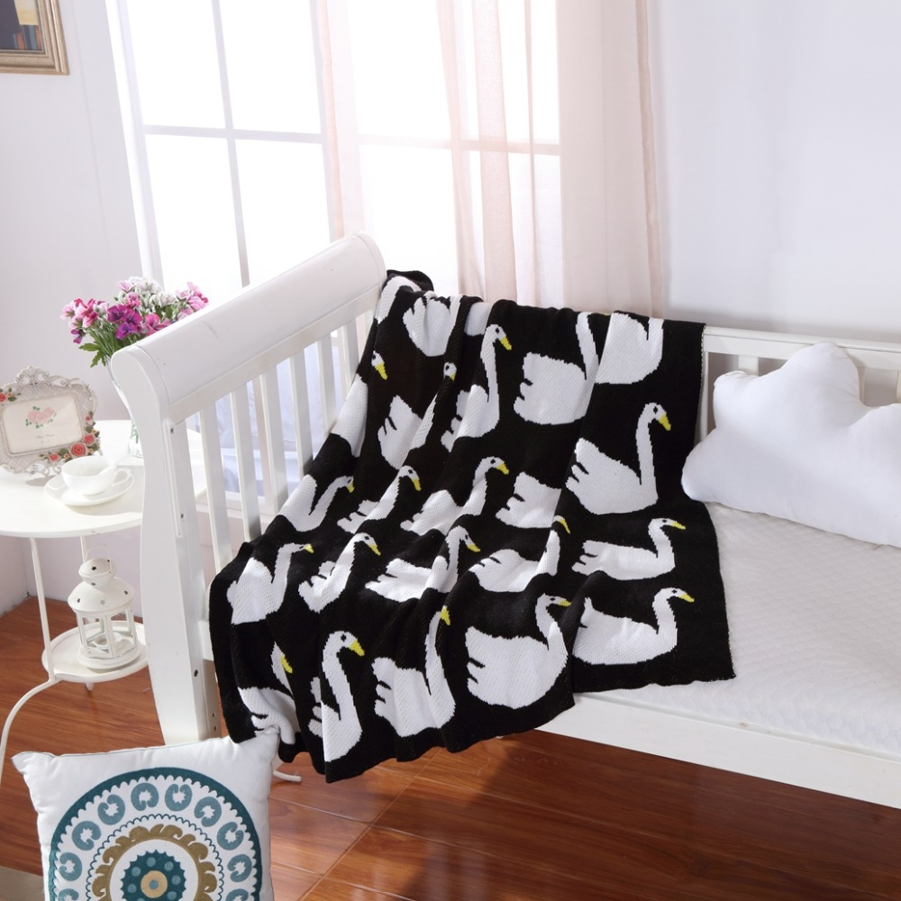 Swan Pattern Knitted Children Moving Throw Blanket, Wool Blanket