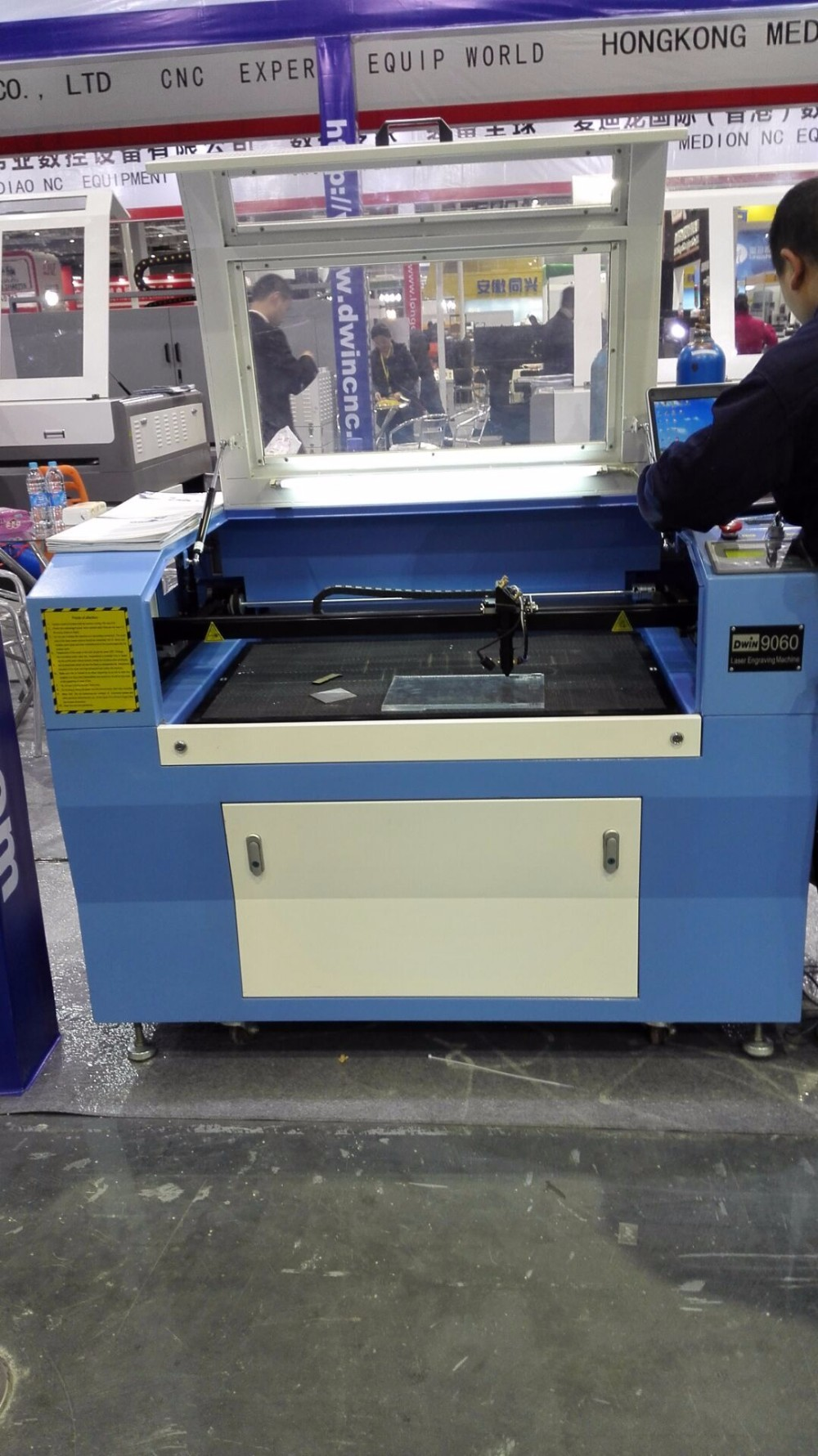 China supplier Co2 laser engraving machine, textile cutting laser machine with best price