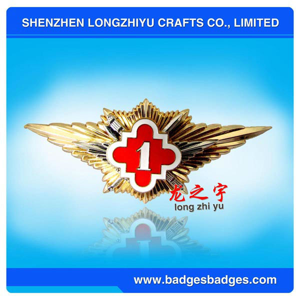 Supply Zinc Alloy Badge Lapel Pin Bullion Badges with gold wings