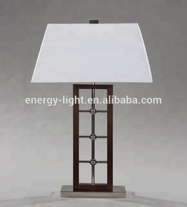 2019 Manufacture decorative 4 port usb table lamp with power outlet for hotel