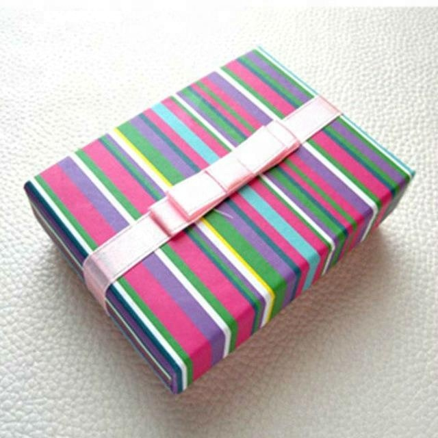 New Designed Gift Jewelry Rainbow Paper Boxes With Bow On The Surface