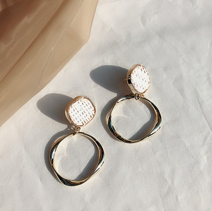 Latest Fashion 24K Gold Plated Alloy Earrings Handmade Rattan Earrings with Alloy Big Round