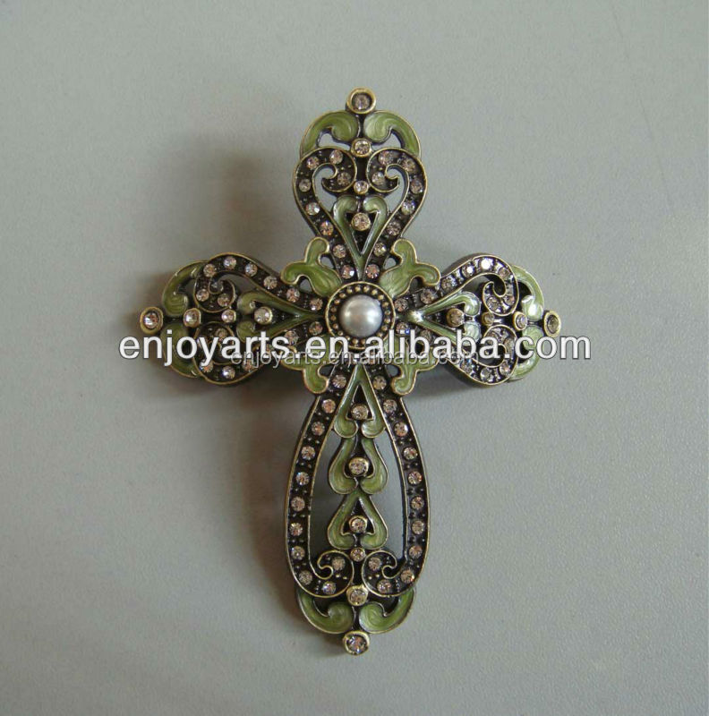 Hand Enamel Color with Shiny Crystals Metal Candle Cross Pin( P36001La1)