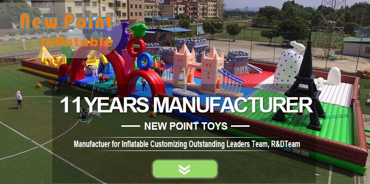 Inflatable Water jumping Bouncer  trampoline for water park on  the sea