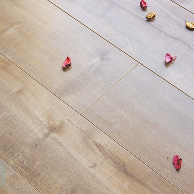 Pine Wood Beauty Board 12mm Laminate Floor