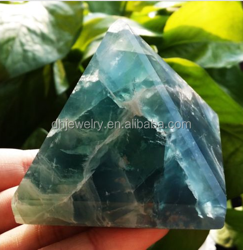 Charming natural quartz crystal pyramid for healing/crystal singing pyramid/glass pyramid paper weight