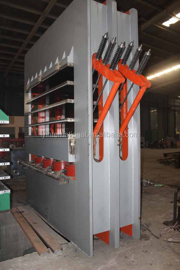 MDF moulded door skin / hdf molded door skin hot press / melamine door skin laminating machine