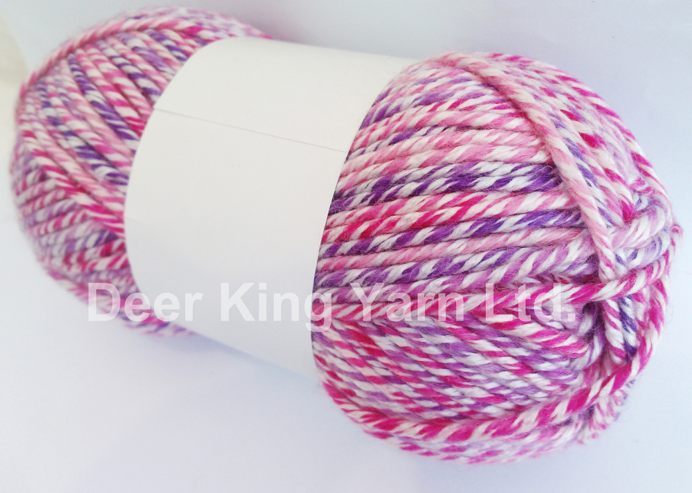 Worsted roving pure wool hand knitting yarn in ball