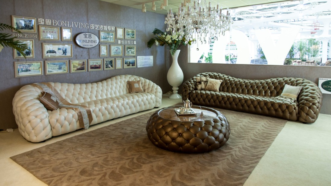 Cl ssico de alta final estilo italiano mob lia da sala for Sofas de estilo clasico