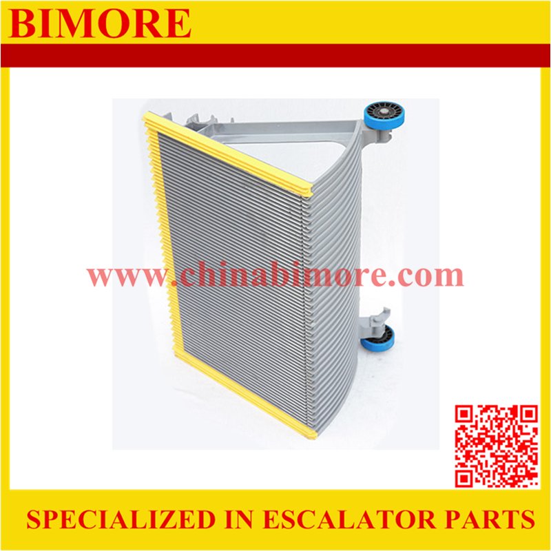 BIMORE XBA455T12 Escalator step with 3 sides yellow plastic demarcations
