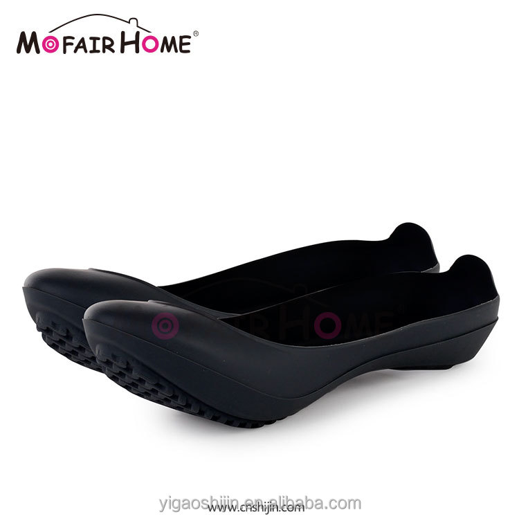 Top promotion women water proof shoe golashes footwear