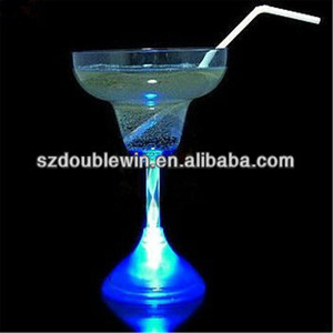 colored led plastic cup flash cocktail glass with straw