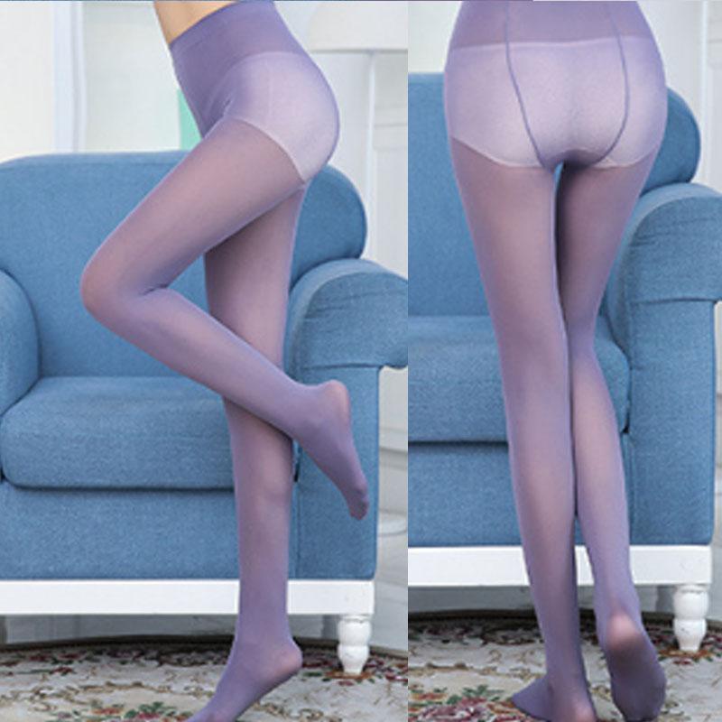 Con pantimedias de nylon para mujeres