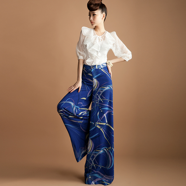 Summer Wide Leg Navy With White And Pink Patterned Pants. Great With A White Or Pink Crop Or Tank. Im 52 And Must Wear With 4 Wedges. Pattern Shown Is At Bottom.