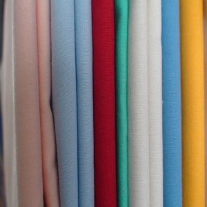 combed twill 60% cotton 40% polyester t-shirt fabric 32*32 130*70