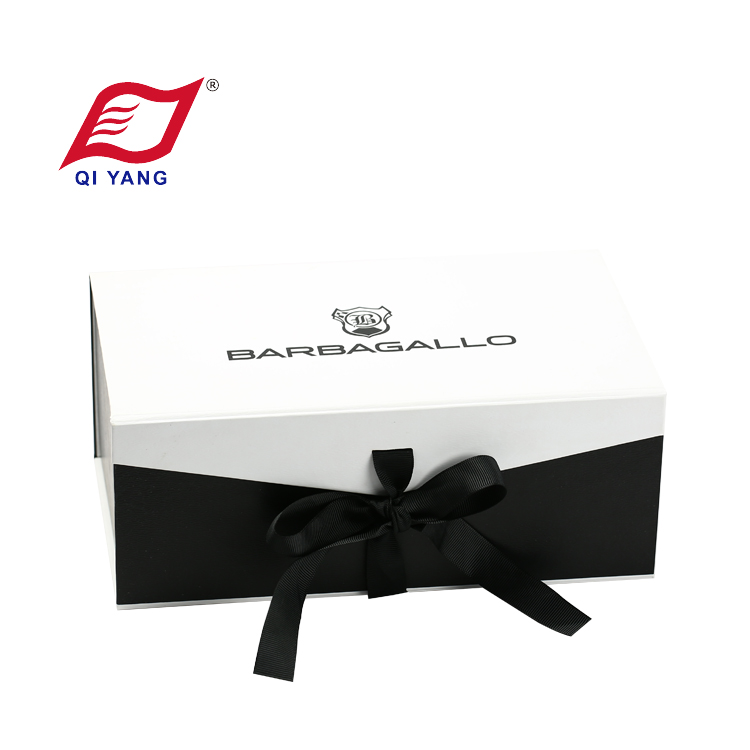 Customized high quality magnetic foldable cardboard paper gift box with ribbon