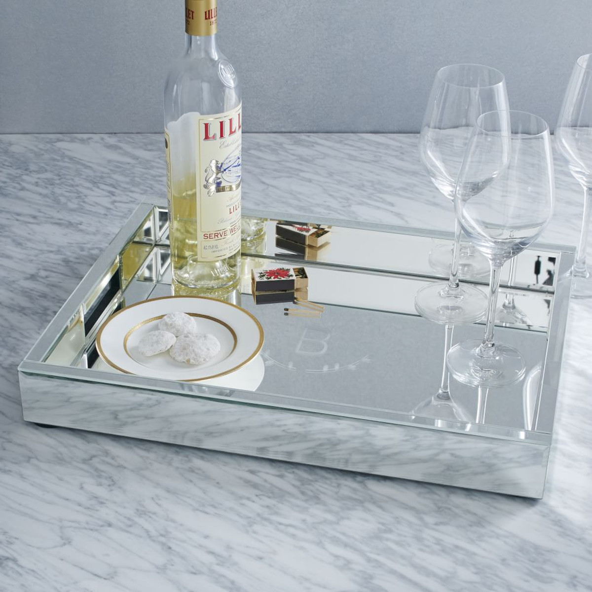 Also The Trims Of Our Tray Are Designed With White Beautiful Pearls Which Makes Your More Charming Mirrored Surface Sy Base Material