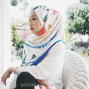 2018 Hot wholesale digital printing shawl scarf eyelash stitching satin chiffon hijab scarf