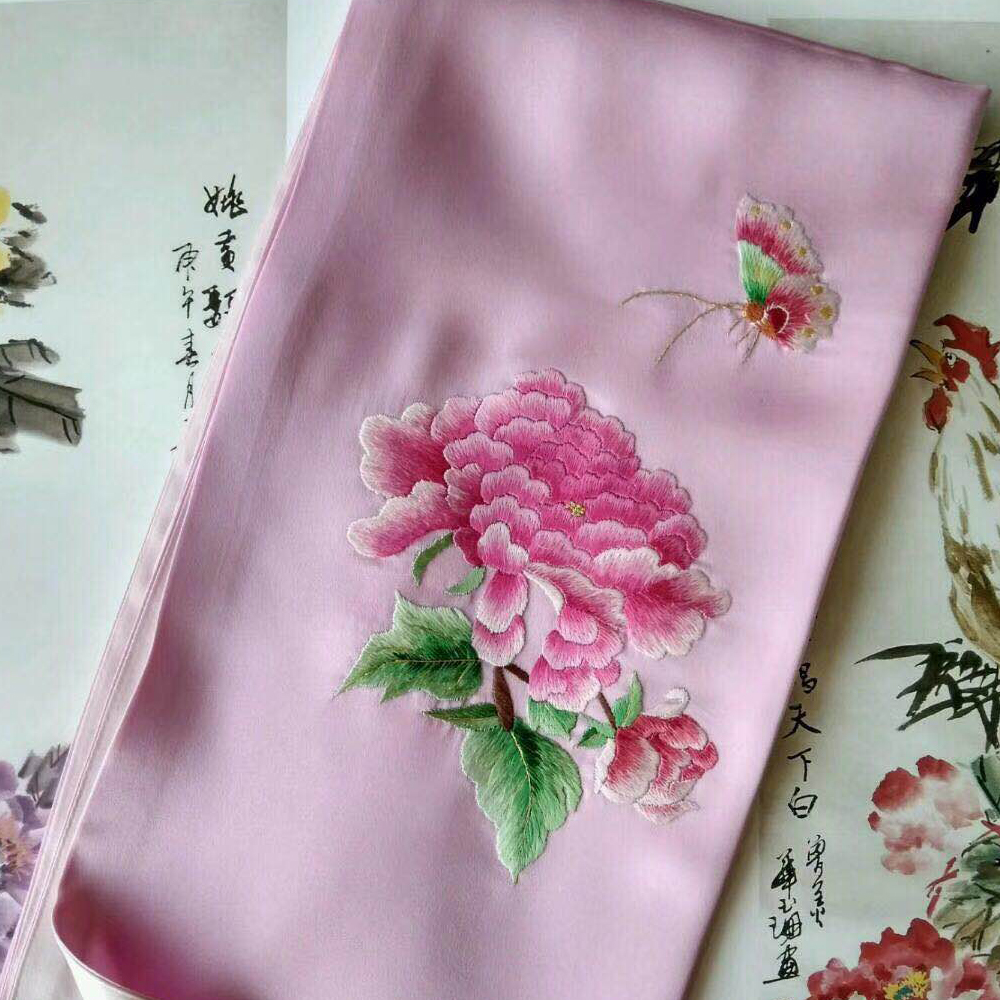 In 2018, the latest female hot sale design silk hand-embroidered scarf.