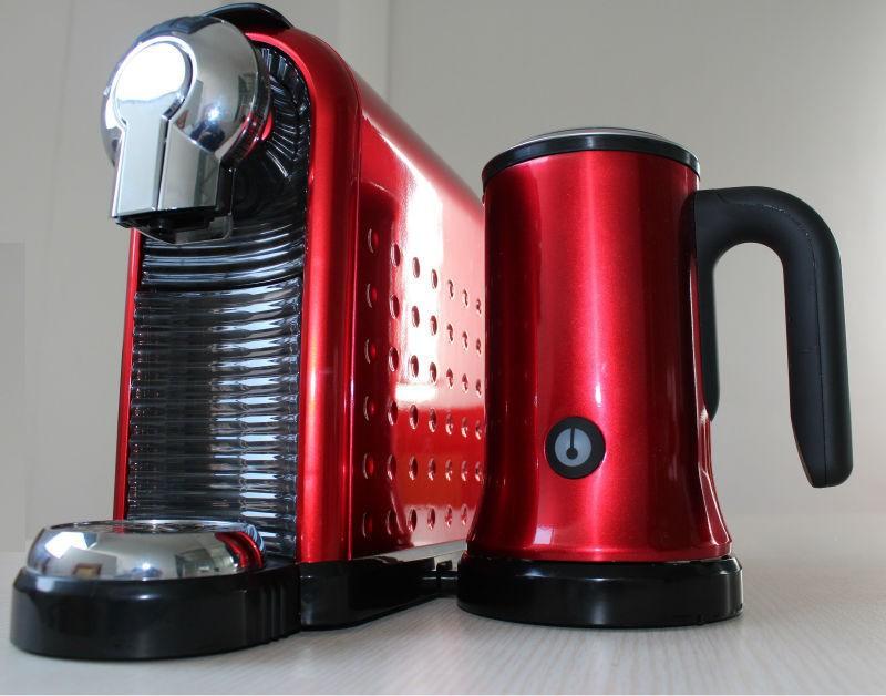 nespresso kapsel kaffeemaschine mit milchaufsch umer kaffeemaschine produkt id 60276050612. Black Bedroom Furniture Sets. Home Design Ideas