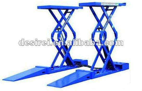 Small Moveable Upright Scissor Car Lift Garage Equipment Car Lift
