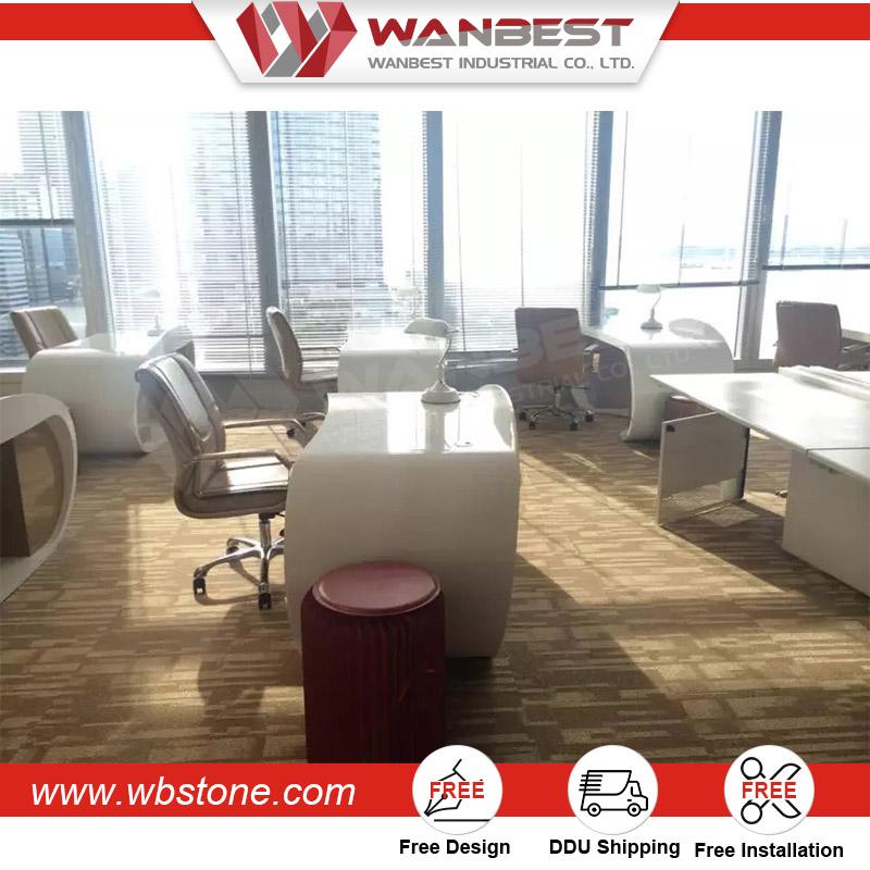 Blanc surface solide bureau du personnel de bureau avec for Surface de bureau