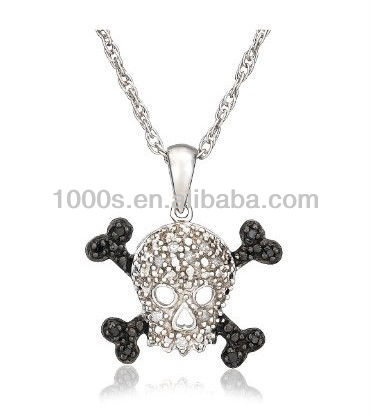 New black and white rhinestone skull pendant