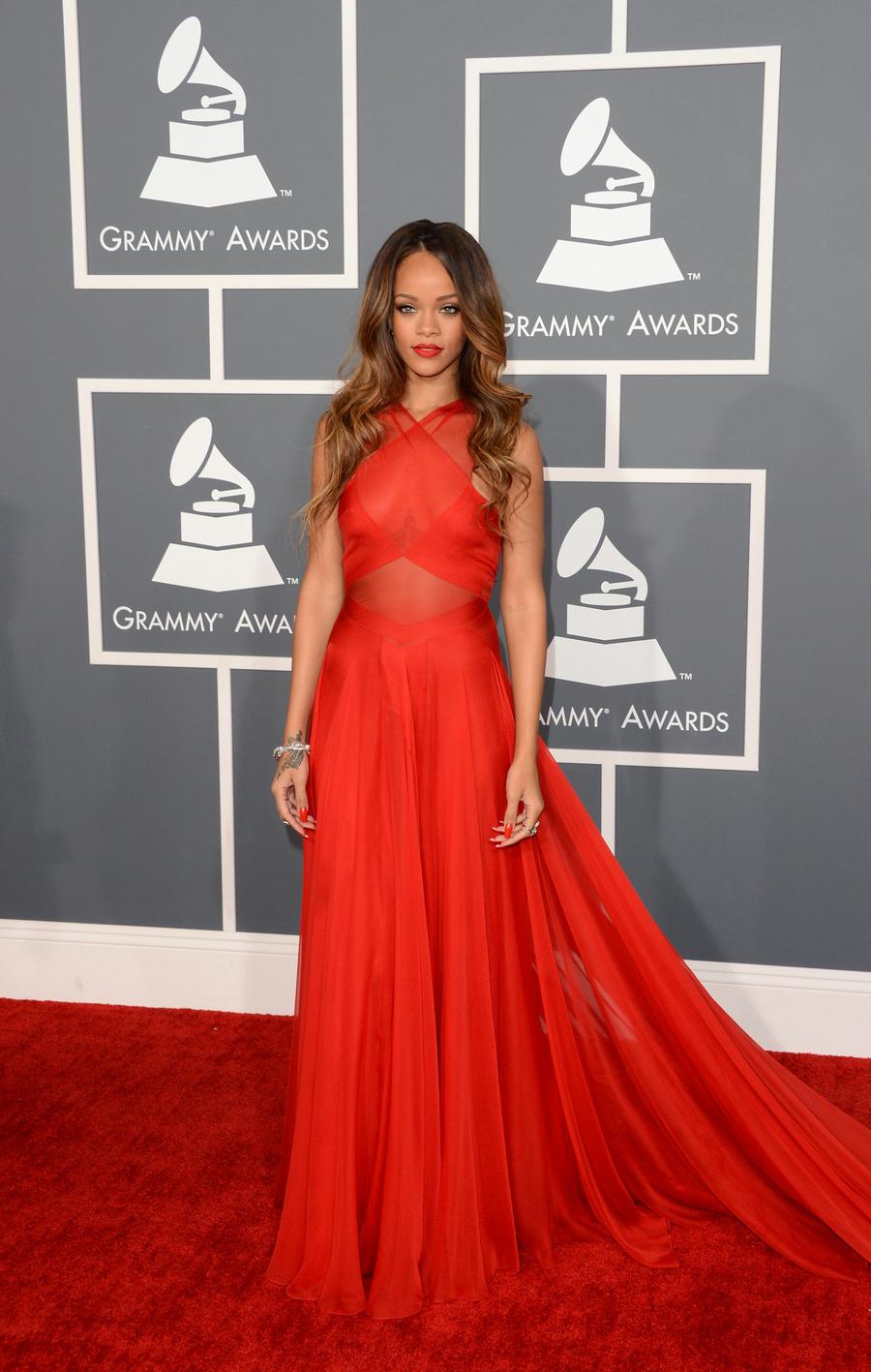 2016 Gremmy Awards Red Chiffon Backless Sexy Rihanna ...