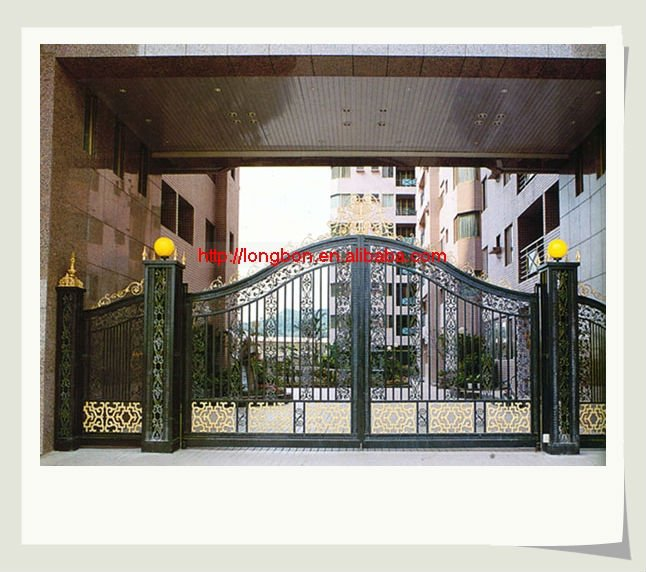 2017 new design iron main gate with iron pipe