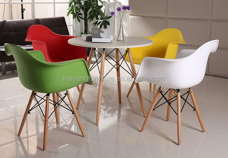 Moderne Esstisch Set Kleine Küche Tisch Und Plastikstühle Für ...