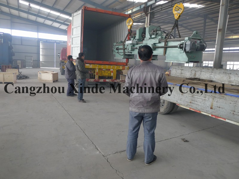 China Supplier Conveyor Roller Making Machine