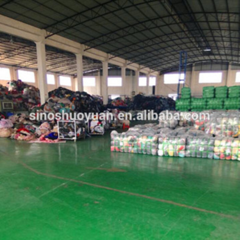 used clothes used shoes in big quantity and low price