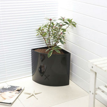 Black Triangle Corner Flower Pot Painted Plastic Pp Garden Planter