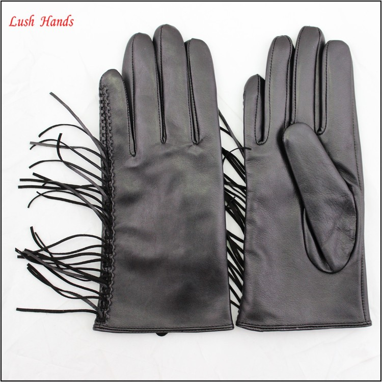 In 2016, the latest fringed leather gloves the best sell .Hot mother fashion gloves