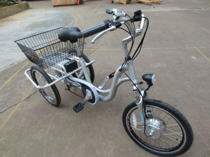 trois roues v lo tricycle lectrique pour adultes v lo lectrique id de produit 1194852695. Black Bedroom Furniture Sets. Home Design Ideas