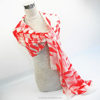 New professional pink white diamond pattern custom print 100 viscose shawl scarf women ladies