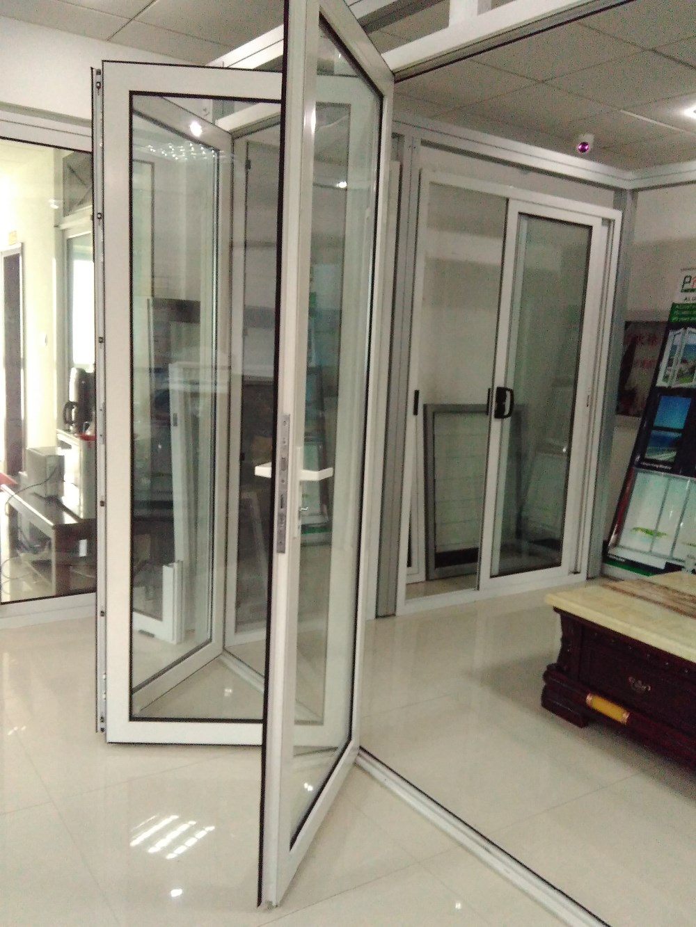 Windows and doors parts aluminium bi fold glass door glass for Glass folding patio doors