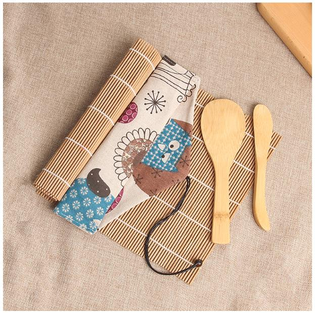 Factory Direct Sale Biodegradable Eco-Friendly Sushi Set With Cartoon Cotton Bag