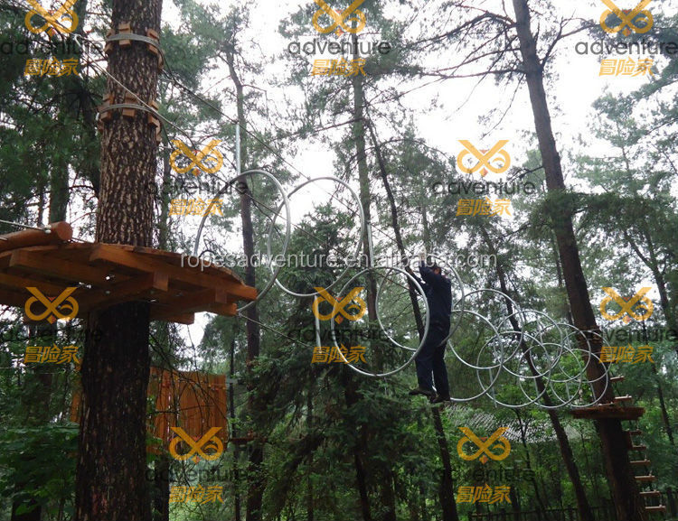 China new design advanture climbing forest equipment ,fashionable people amusement fitness games