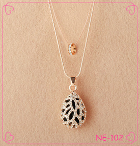 Latest Fashion Beautiful Alloy Big Opal Pendant Necklace All Kinds of Jewelry