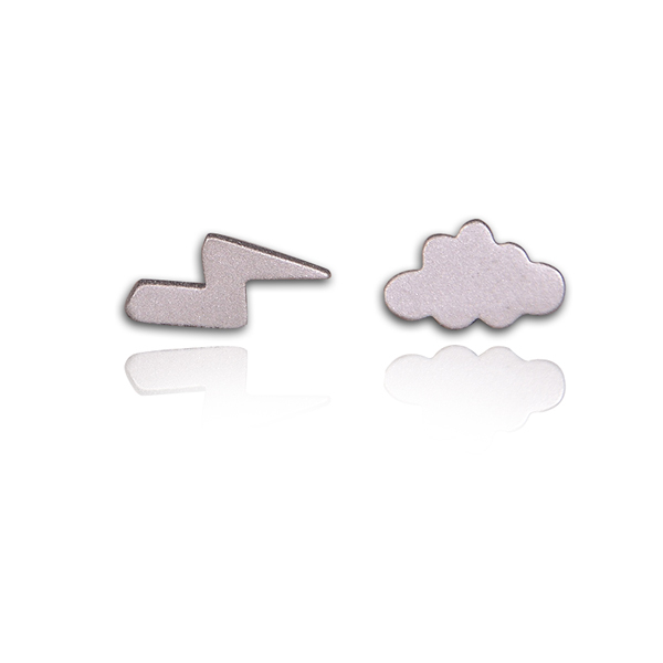 Schmuckhersteller Cloud und Lightning Shaped Ohrring Einfache Frosted Girls Silber Schmuck Party Ohrringe Schmuck Mode