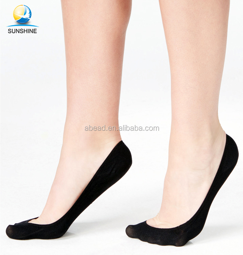 Ladies Pair of Invisible Lace Footsie Footlets Shoe Liners in Black