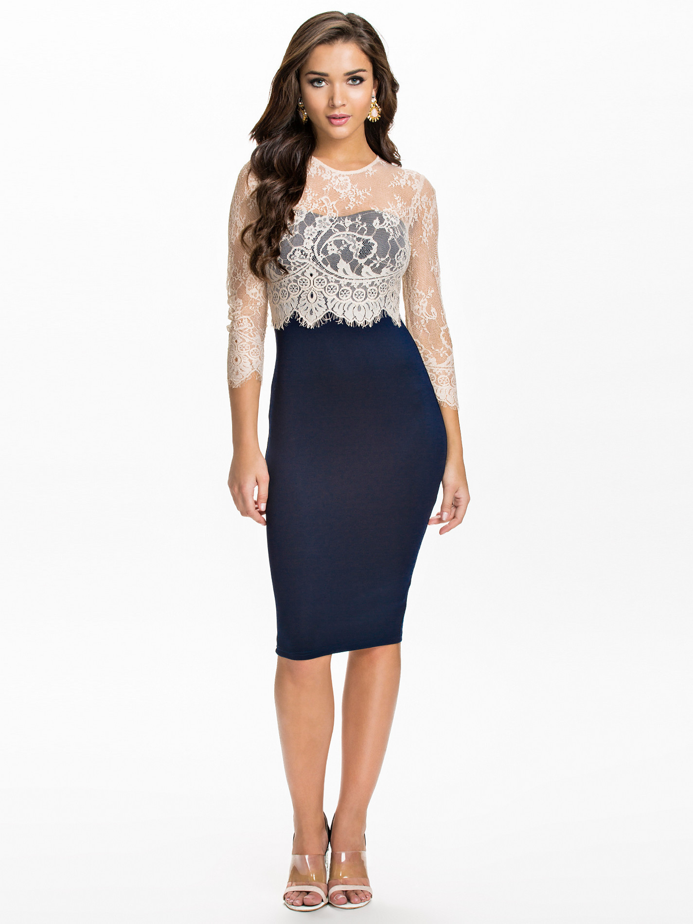 Discover the exclusive collection of women's dresses from the best designers on YOOX. Discover our wide selection of items and shop online: easy and free returns, secure payments and hour delivery! Dresses come in all shapes and sizes, colors and styles, from printed to solid color, mini to ankle length. There's a style for every moment of.