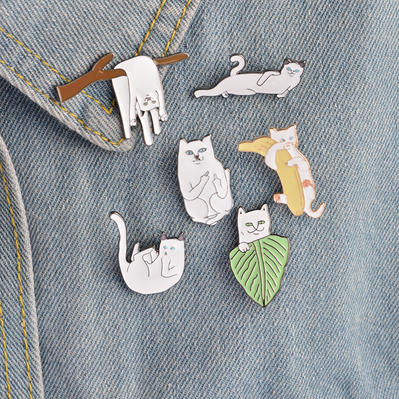 Cartoon Funny Cats Metal Brooch Pins Badge Pinback Button Corsage Gift Enamel Pin Jewelry Gift