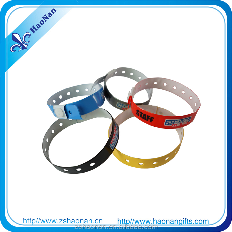 Branded Soft Vinyl/PVC Wristband Making promotional gifts for teenagers